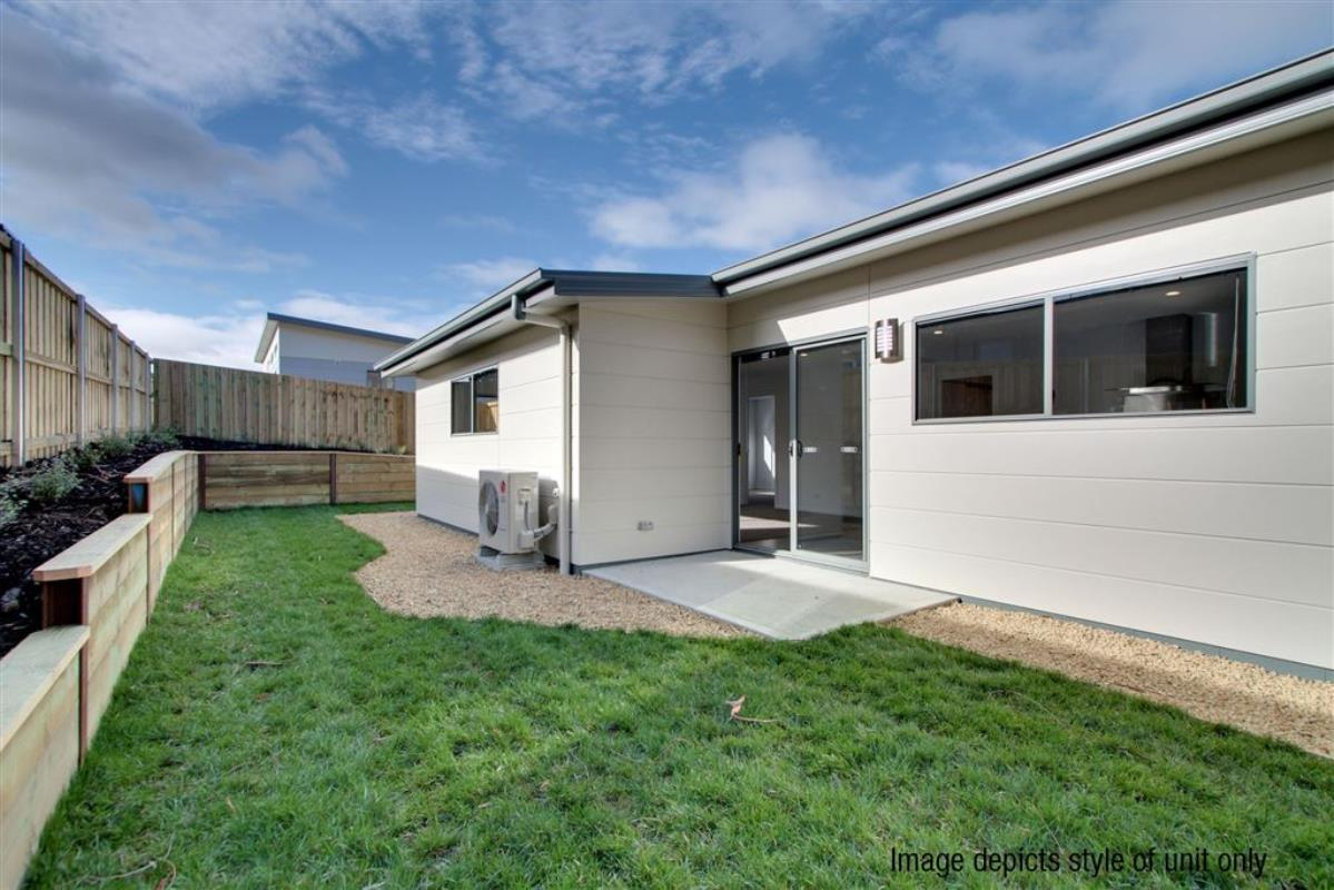 1-17-sandstone-grove-blackmans-bay-7052-tas
