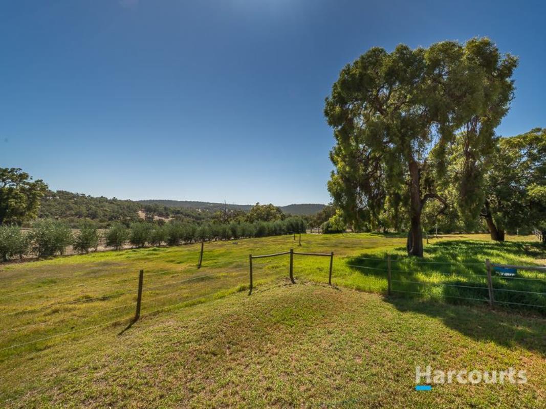 58 Jarrahwood Glen Bullsbrook 6084 Western Australia