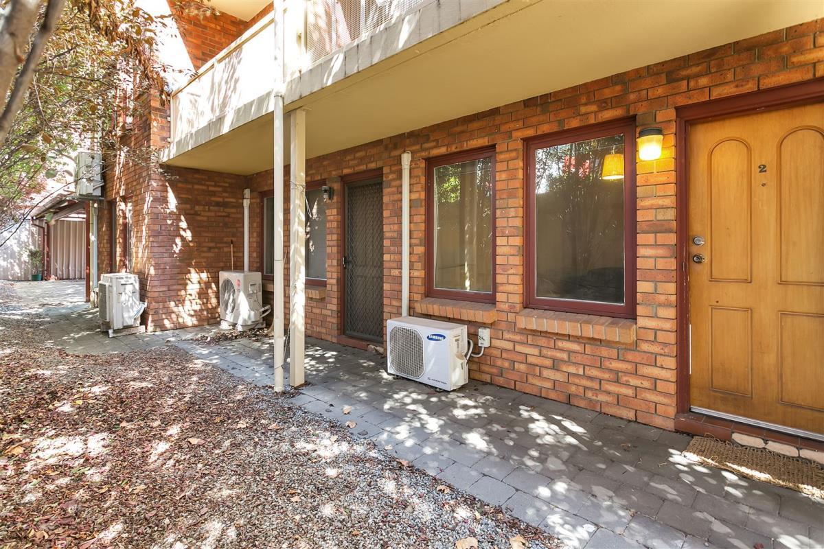 2-11-Royal-Place-Adelaide-5000-SA