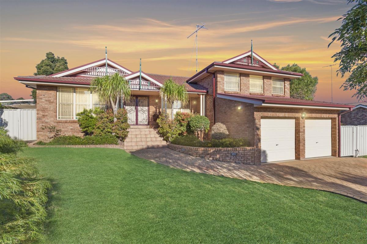 1-Stewart-Place-Glenmore-Park-2745-NSW