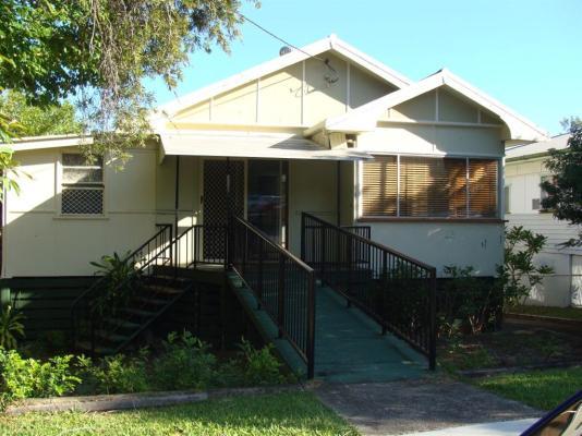 18-Spendelove-Avenue-Southport-4215-QLD